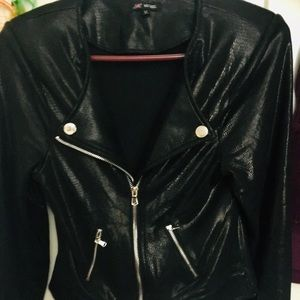 Jackets & Blazers - Sexy long sleeve zipped up jacket.